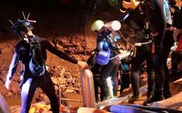 Bức ảnh này sẽ cho bạn thấy 12 cầu thủ nhí Thái Lan được giải cứu khỏi hang như thế nào