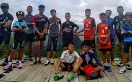 Phi thường: Đội bóng Thái sống sót kì diệu sau 10 ngày mất tích trong hang ngập bùn và nước