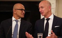 """Trong 3 năm, Amazon đã dùng chiêu gì để """"dụ"""" 30 nhân tài của Microsoft?"""