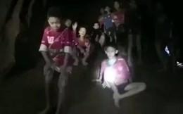Dù được tìm thấy, 13 thành viên đội bóng Thái Lan vẫn phải ở trong hang 4 tháng?