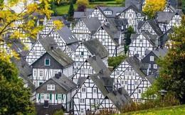 """Freudenberg - Thị trấn độc nhất nước Đức với hàng chục nhà trông như 1, tìm nhà gian nan chẳng khác gì """"mò kim đáy bể"""""""