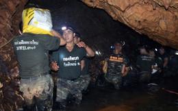 """""""Bí quyết"""" giúp đội bóng nhí Thái Lan sống sót sau 9 ngày trong hang sâu: Ngủ nhiều"""