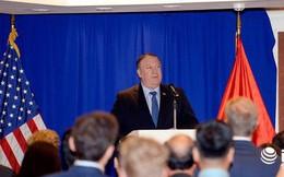 """Ngoại trưởng Mỹ Mike Pompeo liên tục """"kinh ngạc"""" khi nói về Việt Nam"""