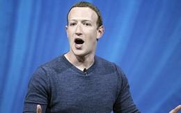 Facebook tụt mất một nửa lượng người truy cập, YouTube lăm le bám càng vượt mặt