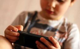 Có nên cấm trẻ em dùng smartphone?