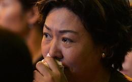 """Nhiều người cài hoa trắng bật khóc tại lễ Vu Lan tháng Bảy: """"Ai còn cha còn mẹ thì vui lắm chứ..."""""""