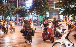 Một ngày đạp xe nhặt rác của người mẹ nghèo nuôi 3 cô con gái đỗ Đại học