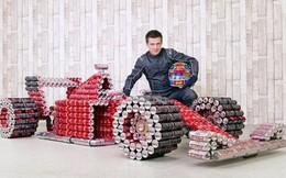 Đây là chiếc xe đua F1 có một không hai, được làm bằng lon Coca-Cola đã qua sử dụng
