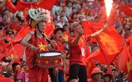 CĐV vỡ òa khi Văn Quyết gỡ hòa 1 - 1 cho Olympic Việt Nam trong trận tranh HCĐ lịch sử