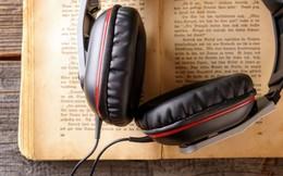 Thời đại công nghệ, bạn có nên bỏ sách giấy để nghe sách nói?