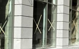 Tại sao cứ mỗi khi bão tới là người ta lại dán chữ X lên cửa kính?