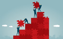 Đừng vội tin những gì người thành công nói: Không ai biết điều gì ẩn đi trong câu chuyện truyền cảm hứng của người giàu