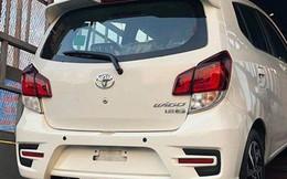 Hàng trăm xe giá rẻ Toyota cập cảng, chờ ngày bán ra