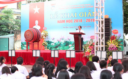 """Bài phát biểu truyền cảm hứng của PGS ĐH Quốc gia Hà Nội: """"Chúng ta chỉ có thể vĩ đại được khi làm tốt, sống tốt như một người bình thường"""""""