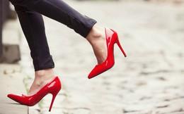 Đừng xem giày đỏ chỉ là món phụ kiện thông thường, đằng sau nó là cả một biểu tượng văn hóa mà không phải ai cũng biết