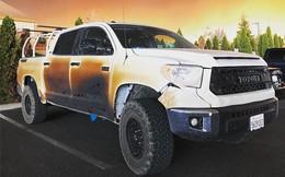 Đăng ảnh chiếc xe bị biến dạng sau khi cứu mạng nhiều người khỏi vụ cháy rừng khủng khiếp ở California, anh chàng y tá được Toyota tặng xe mới
