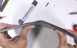 iPad Pro lập kỷ lục mới về độ bền: nhét túi cũng cong