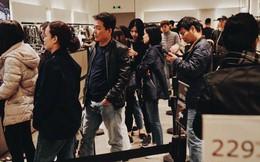 """Tránh cảnh """"giành giật"""", người dân Hà Nội và Sài Gòn đã đổ xô săn hàng giảm giá trước ngày Black Friday"""