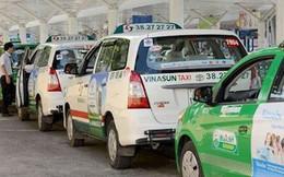 """""""Cởi trói"""" cho taxi truyền thống để cạnh tranh công bằng với Grab"""