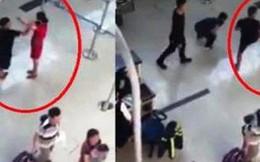 Khởi tố 3 kẻ đánh, đạp ngã nữ nhân viên ở Cảng hàng không Thọ Xuân