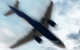 Máy bay chở 189 người lao xuống biển: Hỏng nhưng vẫn được bay