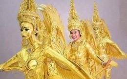 """H'Hen Niê diện """"Bánh Mì"""", còn Hoa hậu Lào thì hóa trang như phân thân để đi thi Miss Universe 2018"""