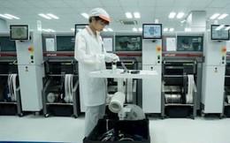 Cận cảnh dàn robot tối tân trong nhà máy sản xuất smartphone VinSmart của Vingroup
