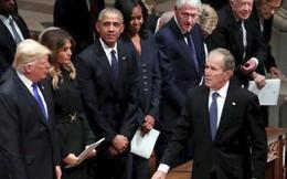 Bốn đời Tổng thống Mỹ ngồi chung hàng ghế trong lễ tang ông Bush (cha): Không còn chỗ cho thù hằn