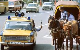 Cảnh sát Liên Xô thế kỷ trước đã đi cả BMW, Mercedes hay Volvo