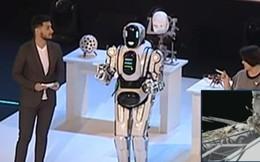 Robot hiện đại nhất của Nga hóa ra là một bộ giáp có người điều khiển bên trong