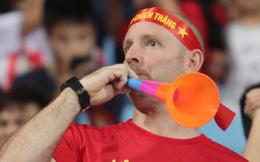 Chiến dịch nói không với kèn vuvuzela: Đại diện LĐBĐ Việt Nam tiết lộ lý do chưa nghĩ đến việc cấm món đồ tạo ra thứ âm thanh nhức óc này