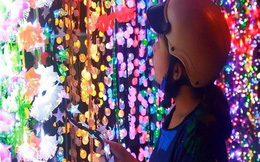 Chợ đồ Giáng sinh lớn nhất TP.HCM nhộn nhịp suốt đêm