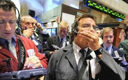 Các nhà đầu tư đua nhau bán tháo, Dow Jones chạm mức đáy mới của năm