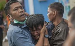 Indonesia một ngày chìm trong đau thương và nước mắt: Người dân đau đáu đi tìm người thân thích