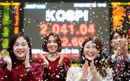 Foxconn dính đòn, Samsung hưởng lợi từ chiến tranh thương mại trong năm 2019