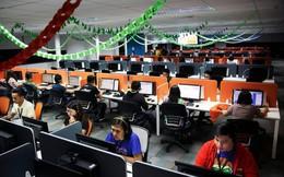 """Ngành """"call center"""" ở Philippines: Lương cao hơn bác sĩ, gấp đôi nhân viên ngân hàng, nhưng sinh hoạt theo giờ Mỹ, nhiễm trùng tai và khủng hoảng tinh thần thường xuyên"""