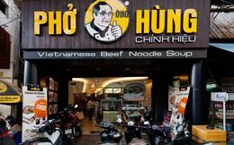 """Trước lùm xùm đóng cửa, chủ Món Huế từng bị tố """"ăn cắp"""" thương hiệu để mở quán phở Ông Hùng"""