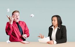 Câu hỏi cũ nhưng khó trả lời, ai đi phỏng vấn cũng 'ngán': Điểm yếu nhất của bạn là gì?