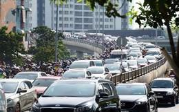 Phí đăng ký ô tô con tại TP.HCM tăng gần gấp đôi