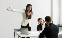Phải làm gì khi vừa chuyển việc và sếp mới không ưa bạn?