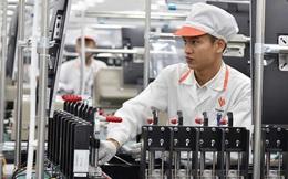 Forbes: Việt Nam đã tự sản xuất điện thoại thông minh, thế tại sao họ vẫn chưa bán được?