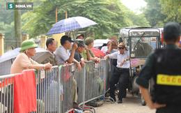 Thương binh xếp hàng sớm 10 tiếng trước cổng VFF để mua vé trận Việt Nam vs Thái Lan