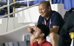 HLV Park Hang-seo bật cười sau khi cầu thủ Indonesia ghi bàn nhấn chìm U22 Thái Lan