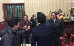 Khoảnh khắc ăn mừng ngay tại căn nhỏ nhà ở quê của Văn Hậu: Bố sung sướng khi con trai mở tỷ số, hàng xóm nhảy nhót tưng bừng