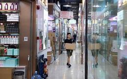 Hoa Cường Bắc - Khu chợ điện tử nổi tiếng nhất Trung Quốc nay bị 'nhuộm hồng' bởi đồ mỹ phẩm