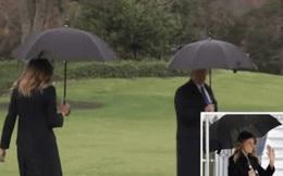 """Khoảnh khắc Tổng thống Trump """"đãng trí"""", bỏ quên vợ ở phía sau và phản ứng bất ngờ của Đệ nhất phu nhân Mỹ thu hút sự chú ý"""