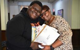 Cậu học sinh vô gia cư trúng tuyển một lúc 17 trường ĐH: Nghèo khó là động lực giúp tôi cố gắng gấp nhiều lần!