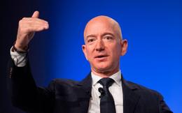 Mặc 'drama' lộ tin nhắn nhạy cảm chưa có hồi kết, Jeff Bezos vẫn ung dung 'bỏ túi' hơn 8 tỷ USD chỉ trong vòng 1 tuần