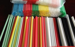 Một đại gia bán lẻ Việt Nam ngưng kinh doanh ống hút nhựa trên 600 siêu thị lớn nhỏ, chỉ bán ống hút thân thiện môi trường