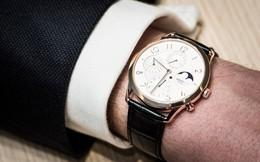 Hai ông lớn ngành trang sức và bán lẻ điện tử đang chạy đua chiếm lĩnh thị trường đồng hồ ra sao ?